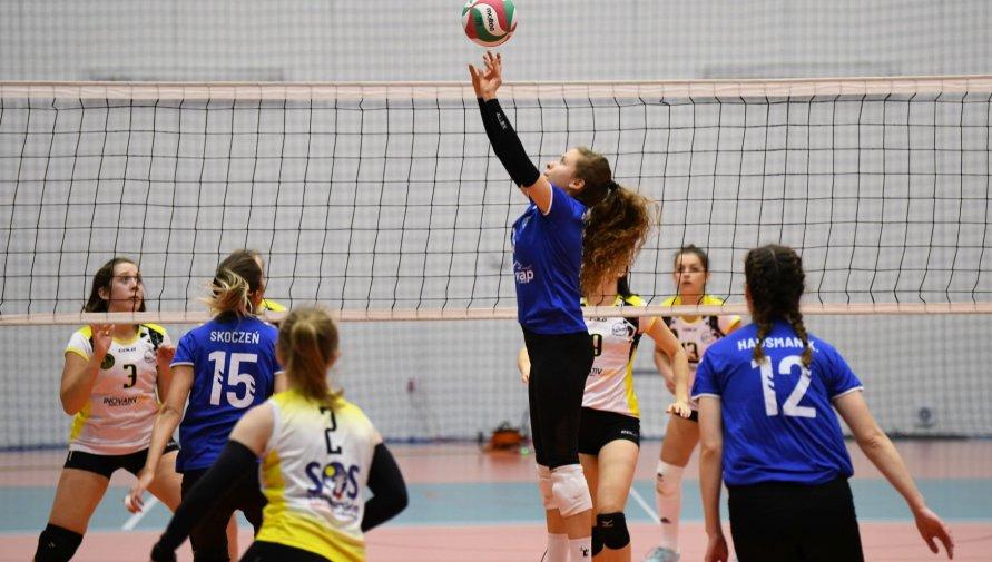 Kobiety grające w siatkówkę